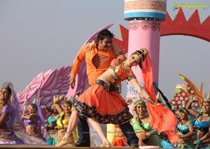 Himmatwala Movie Stills