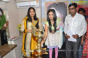 Priyamani launches Lakme Salon