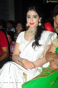Shriya Saran GR8 Women Awards