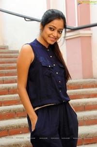 Tamil Heroine Janani Iyer