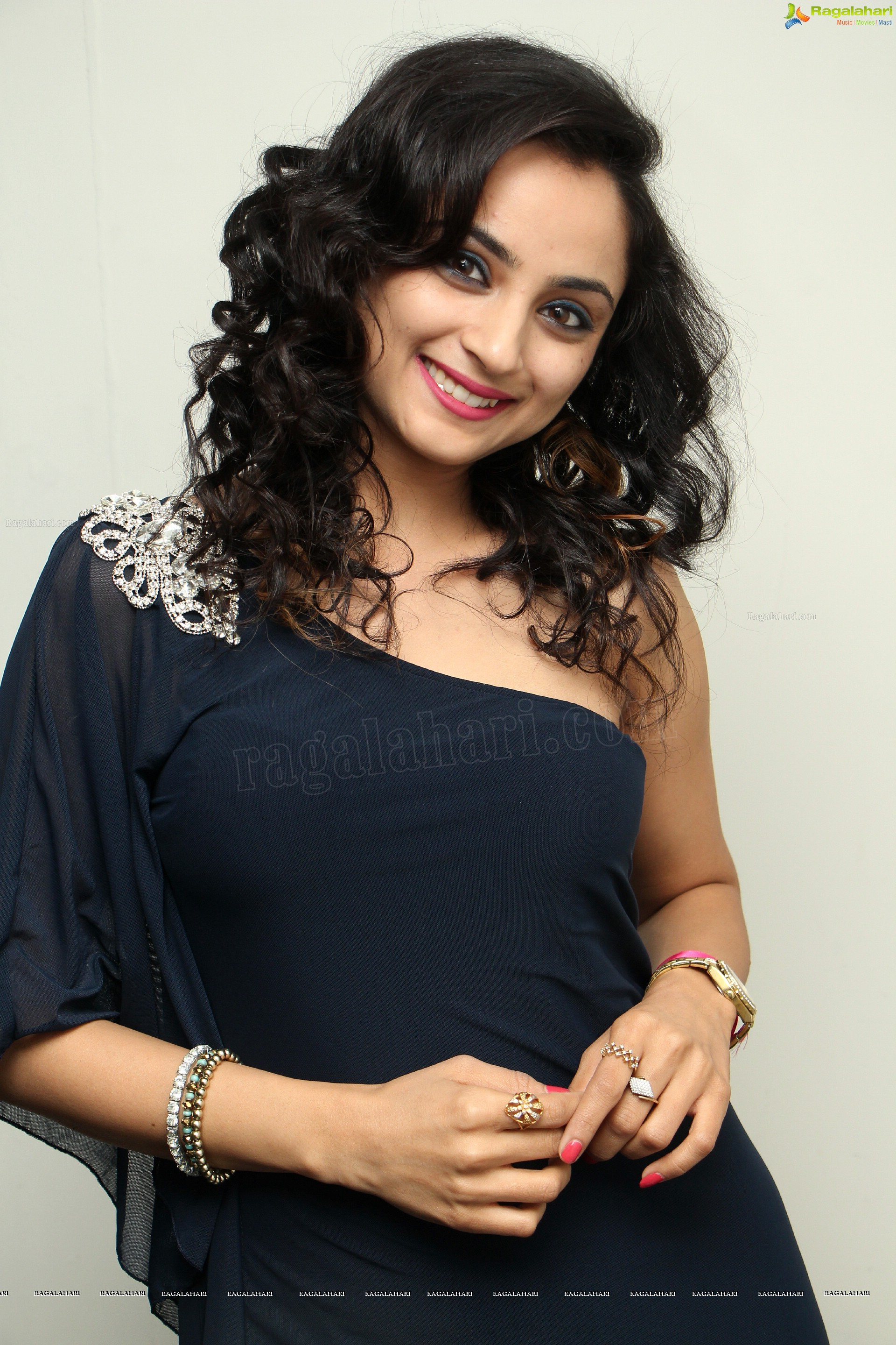 Madirakhi Mundle (High Definition)