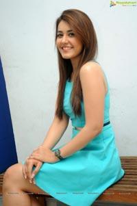 Jil Heroine Rashi Khanna