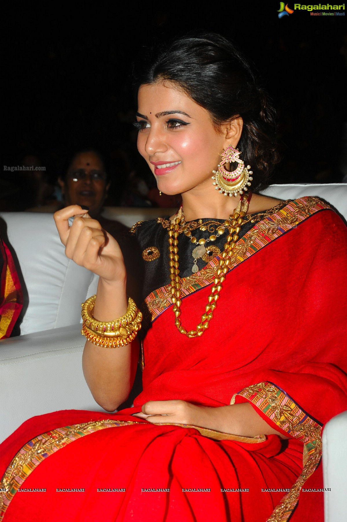 Samantha at Son of Satyamurthy Audio Release