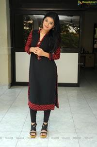 Telugu Heroine Yamini Bhaskar