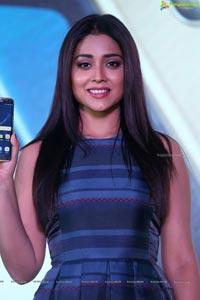 Shriya Saran Samsung S7