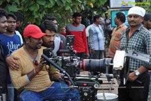 Andhhagadu Working
