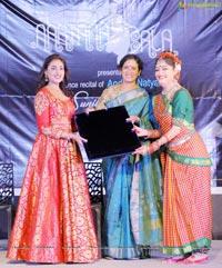 Ms Sunila Gollapudi Presents Andhra Natyam