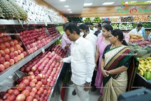 Pure-O-Natural Fruits and Vegetables 31st Outlet Launch