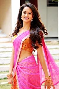 Shanvi Srivastava HD Photos