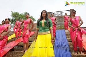 Priyamani Dancing Photos