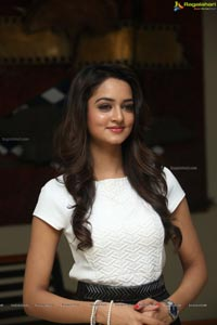 Shanvi Srivastava Close Up Photos