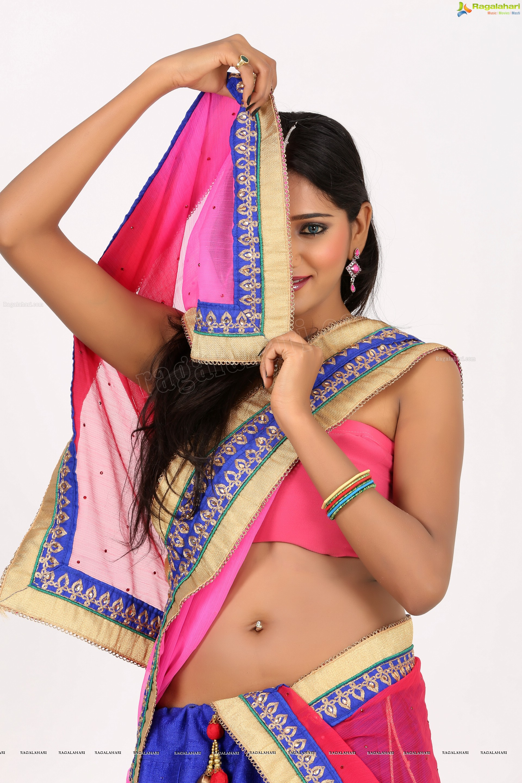 Shalu Chourasiya (Exclusive) (High Definition)