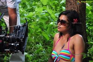 Actress Sravanthi