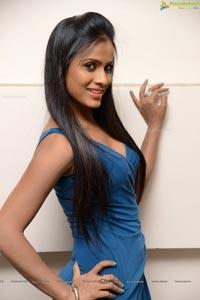 Heroine Anchor Prashanti