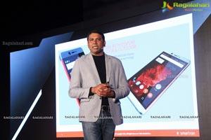 Sachin Tendulkar Smartron tphone