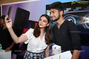 OnePlus 6 Aditi Rao Hydari