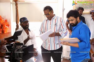 Super Sketch Working Stills