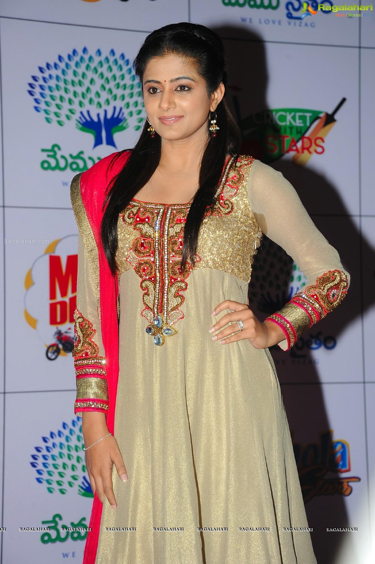 Priyamani at Memu Saitham Dinner with Stars, Exclusive Photos