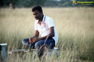 Nenjil Thunivirunthal Working