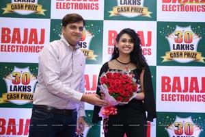Nitya Naresh Picks up Bajaj Electronics Lucky Draw Winner