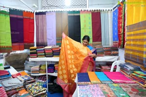 National Silk Expo-2018 begins at Sri Satya Sai Nigamagamam