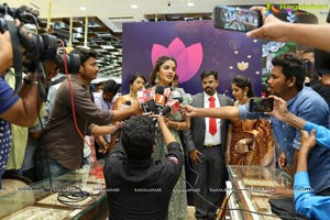 Manepally Jewellers Launches its New Showroom at Kukatpally