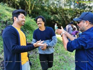 Entha Manchi Vaadavuraa Working Stills