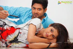 Hum Tum Movie Stills