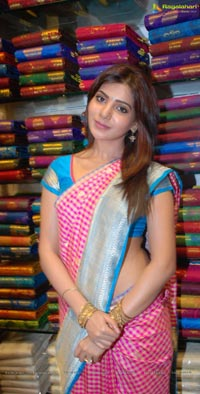 Samantha Inaugurates Kalanikethan Fashion Mall At Nizamabad
