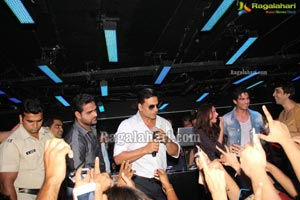 Akshay Kumar at Kismet Pub, Hyderabad