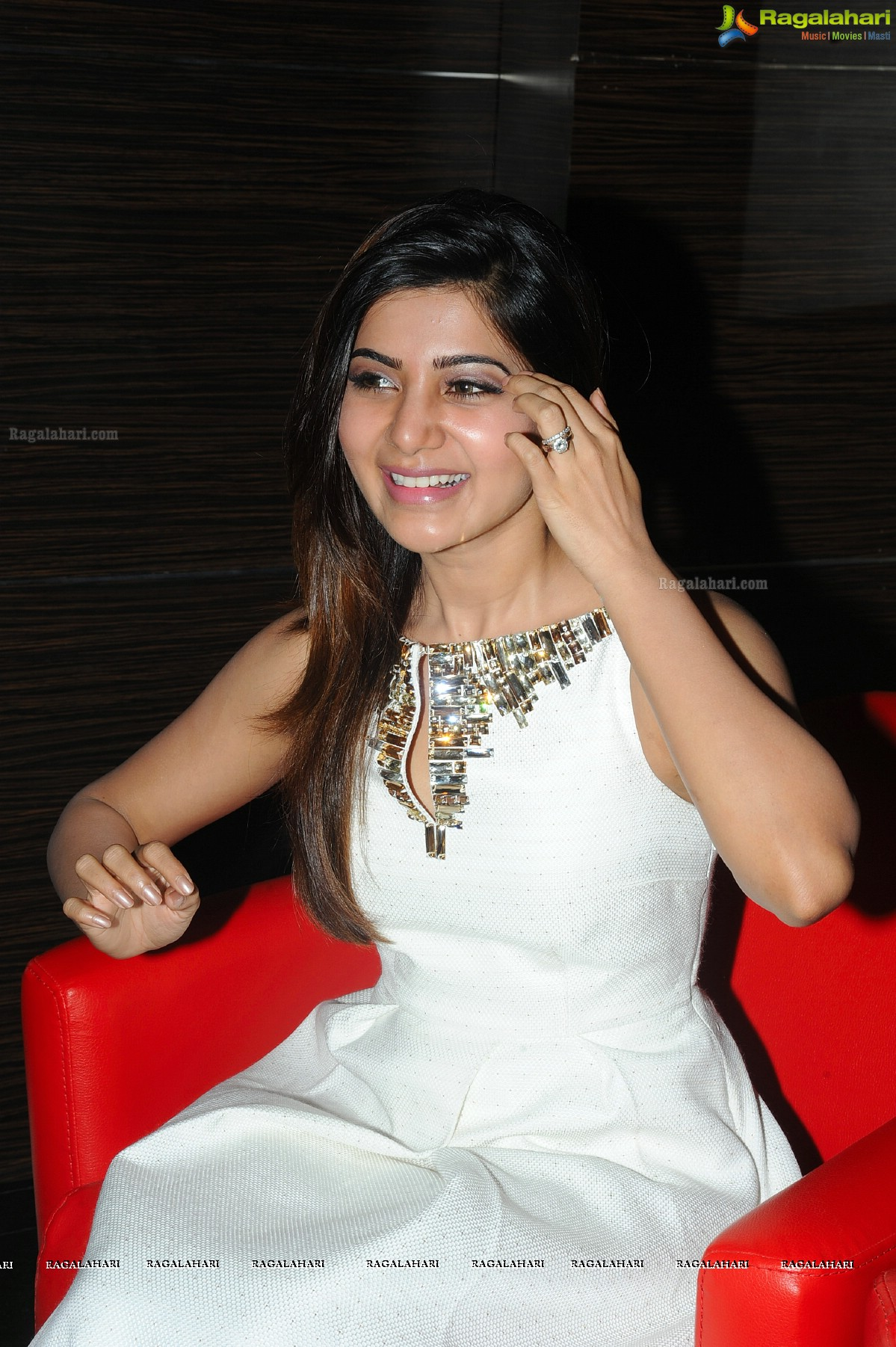 Samantha at Asian Cinemas Launch at Attapur, Hyderabad