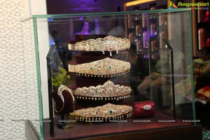 Tanishq Jewellery Showcases Latest Collection