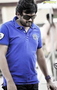 Universal Media Cameraman Gangatho Rambabu